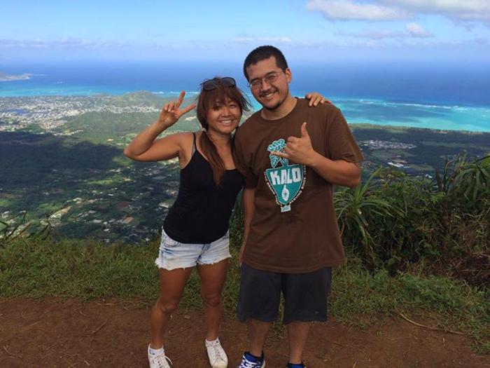 Miwa on top of Hawaii Loa Ridge.