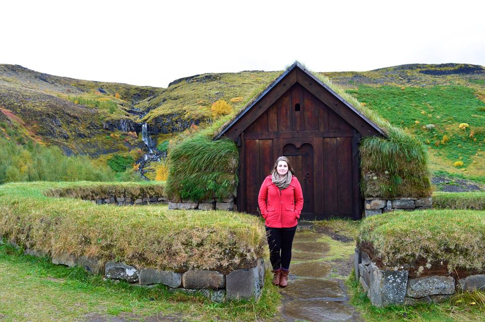travel blogger carly moore in iceland