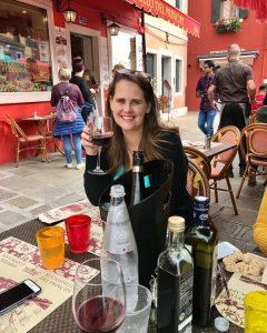 travel blogger Tanya Shelburne