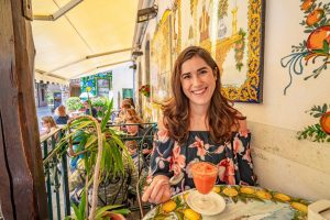 Kate Storm travel blogger